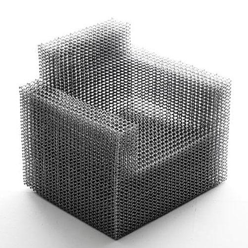 Composition chair por Kyouei design , sem parafusos, rebites, colas ou outros, aqui foram usados um gabarito, um alicate e fio de alumínio.